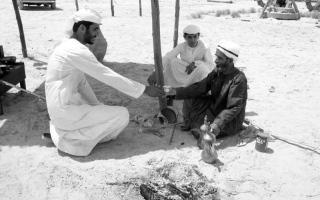 الصورة: الصورة: توثيق لمجتمع الإمارات قبل 200 عام هنري وايتلوك
