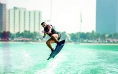 الصورة: الصورة: أبوظبي تستضيف «بطولة العالم للتزلج»