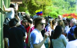 الصورة: الصورة: مؤيدو غوايدو يحتلّون سفارة فنزويلا في البرازيل