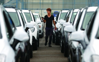 الصورة: الصورة: تراجع مبيعات السيارات اليابانية في كوريا الجنوبية إلى نحو 50%