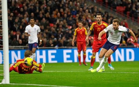 الصورة: الصورة: إنجلترا تكتسح الجبل الأسود بسباعية وتتأهل لأمم أوروبا