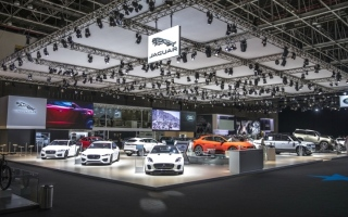 الصورة: الصورة: «جاكوار» تطرح طرزاً جديدة في «دبي للسيارات»