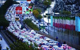 الصورة: الصورة: الاحتجاجات في إيران تتسع ضد رفع أسعار البنزين