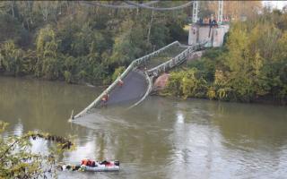 الصورة: الصورة: مقتل شخص في حادث انهيار جسر بجنوب فرنسا