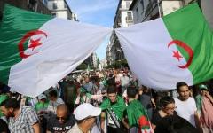 الصورة: الصورة: الجزائر.. المرشحون في تحدي إقناع الشارع بالانتخابات