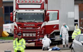 الصورة: الصورة: فيتنام تطالب أسر ضحايا الشاحنة البريطانية بدفع تكاليف إعادة الجثث