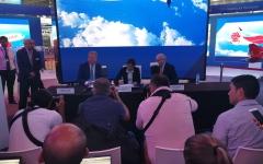الصورة: الصورة: «طيران أستانا» يوقع اتفاقية لشراء 30 طائرة بوينغ 737 ماكس