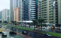 الصورة: الصورة: هطول  أمطار غزيرة مصحوبة برياح في عجمان