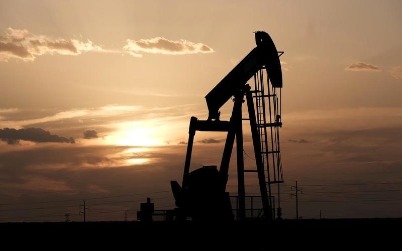 الصورة: الصورة: النفط يرتفع 2%