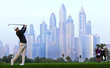 الصورة: الصورة: أغلى بطولة غولف عالمية تنطلق اليوم في دبي
