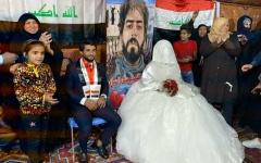 الصورة: الصورة: حفل زفاف في ساحة التحرير