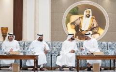 الصورة: الصورة: محمد بن زايد يتقبل تعازي محمد بن راشد ورئيس الشيشان بوفاة سلطان بن زايد