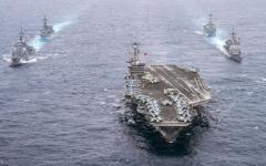 الصورة: الصورة: مدمرتان أمريكيتان تبحران في مياه متنازع مع الصين
