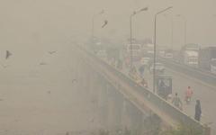 الصورة: الصورة: الآلاف في باكستان يواجهون مخاطر بسبب الضباب الدخاني
