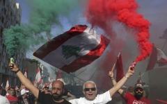 الصورة: الصورة: لبنان يحتفل بذكرى الاستقلال في الشارع