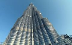 الصورة: الصورة: برج خليفة يرحب بزواره 24 ساعة احتفالاً باليوم الوطني