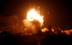 الصورة: الصورة: مقاتلات إسرائيلية تشن غارة على قطاع غزة