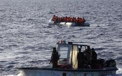 الصورة: الصورة: إنقاذ 158 مهاجراً قبالة السواحل الليبية