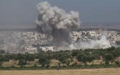 الصورة: الصورة: 15 قتيلاً في قصف جوي على معرة النعمان