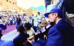 الصورة: الصورة: تظاهرة حاشدة في تعز تُندِّد باغتيال قائد اللواء 35 مدرّع