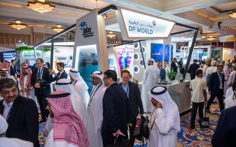 """الصورة: الصورة: """"دبي العالمية"""" تعرض إمكاناتها في البتروكيماويات بمنتدى """"جيبكا"""" 2019"""