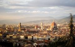 الصورة: الصورة: زلزال في فلورنسا يعطل شبكة القطارات