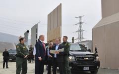 الصورة: الصورة: منع ترامب من بناء جدار المكسيك بأموال الجيش