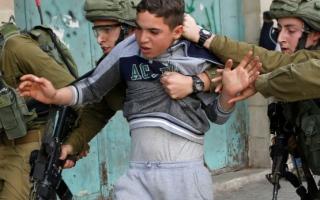 الصورة: الصورة: الأسير الفلسطيني.. حكاية تتجدّد بعد الاعتقال