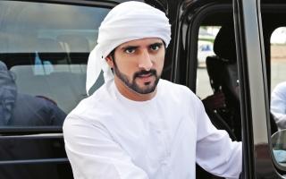 حمدان بن محمد يشهد تألق  هجن العاصفة في المرموم