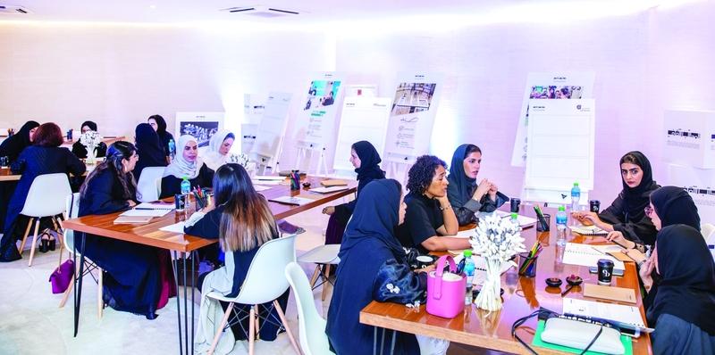 الصورة : الجلسات اشتملت على لقاءات تعارف بين العضوات المنتميات لتخصصات إبداعية مختلفة