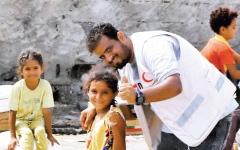 الصورة: الصورة: الإمارات تغيث مئات الأسر في الحديدة