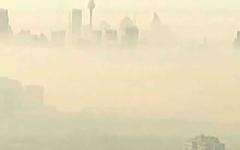 الصورة: الصورة: شاهد.. الضباب الدخاني يطمس سيدني ويخنقها