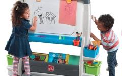 الصورة: الصورة: تنوع الأنشطة يسهم في حماية الأطفال من «إدمان» الأجهزة اللوحية