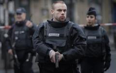 الصورة: الصورة: مقتل شخص في عملية طعن قرب باريس