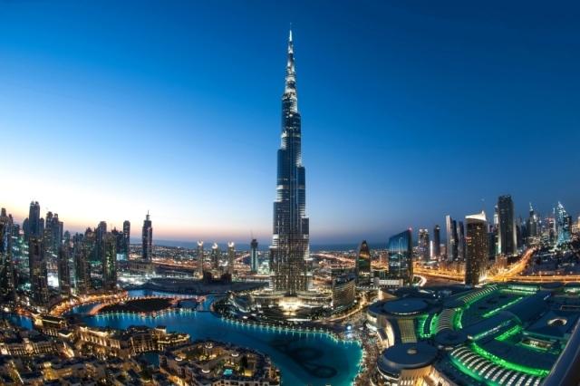 برج خلــيفة تجسيد ذروة الإبداع الهندسي الاقتصادي السوق