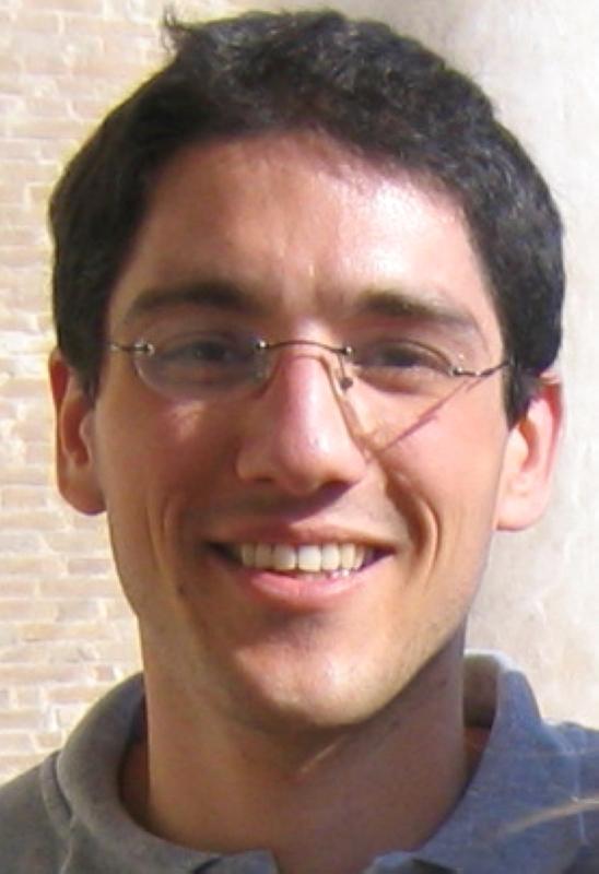 الصورة : فاسوندو ألفاريدو  - أستاذ علوم الاقتصاد في كلية باريس للاقتصاد، ومدير مشارك في قاعدة البيانات العالمية للتفاوت في الدخل. أحدث مؤلفاته «العاصمة والعقيدة».