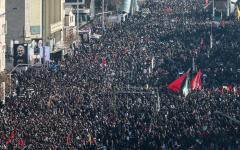 الصورة: الصورة: مقتل 50 شخصاً خلال تشييع قاسم سليماني