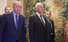 الصورة: الصورة: الكشف عن سر «الدخان» بين الرئيس التونسي وأردوغان