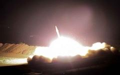 الصورة: الصورة: بالفيديو.. هجوم صاروخي إيراني على قاعدة جويّة عراقية تضم جنوداً أمريكيين