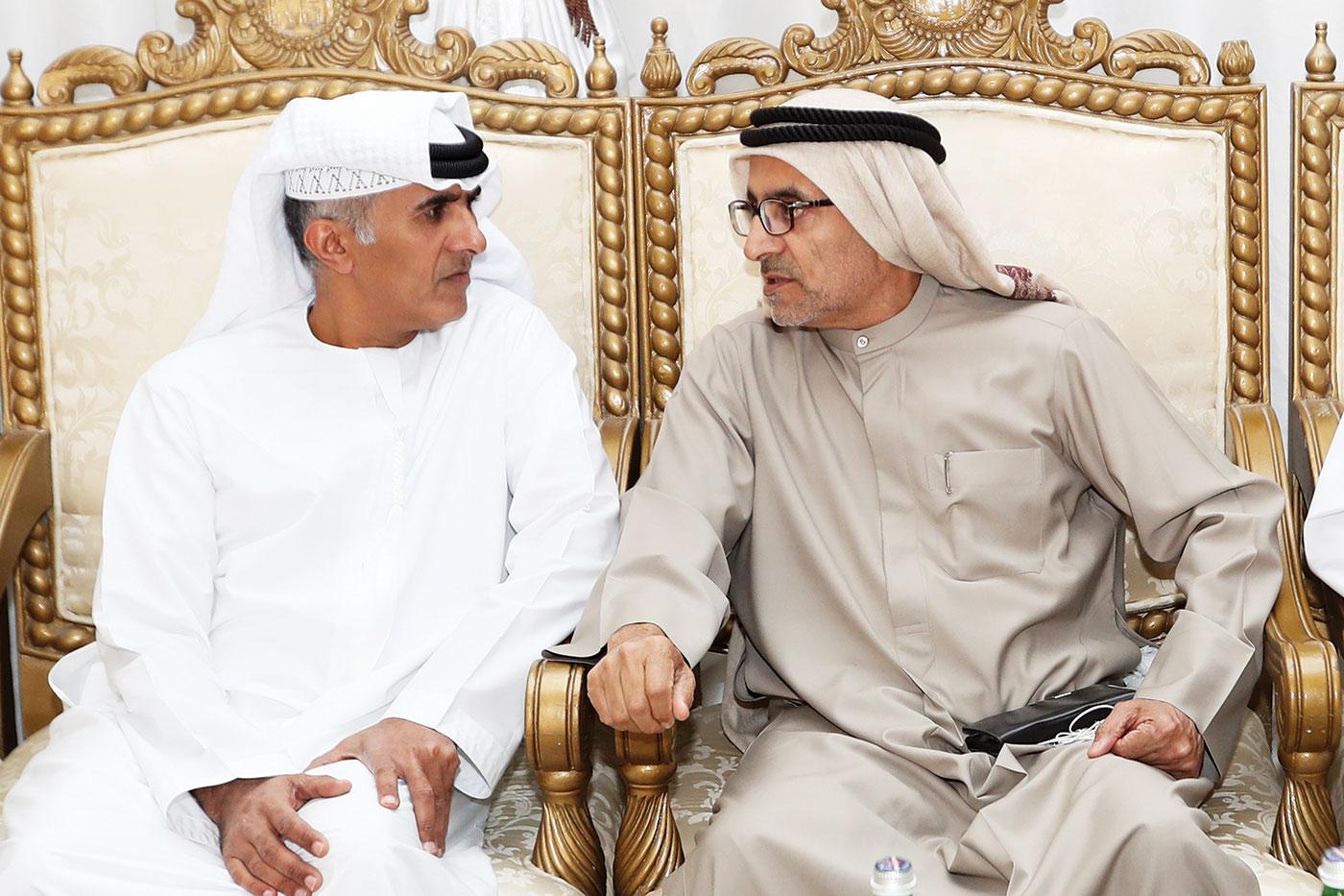 سالم بن سلطان القاسمي مواسياً أحمد محمد بن ثاني