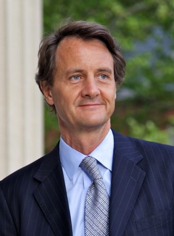 الصورة : كريستيان ديزيليس  - الراعي العالمي للتمويل المستدام والرئيس العالمي للمصارف المركزية باتحاد البنوك «HSBC».