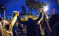 الصورة: الصورة: تظاهرات طهران تتجدد ودعوات لعدم قمعها