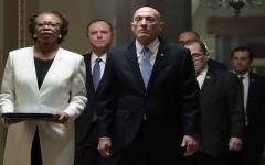 الصورة: الصورة: مجلس الشيوخ يتسلّم القرار الاتّهامي بحق ترامب والمحاكمة تبدأ الثلاثاء