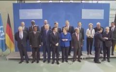 الصورة: الصورة: بالفيديو.. تأخر بوتين عن الصورة الجماعية يربك ميركل وماكرون