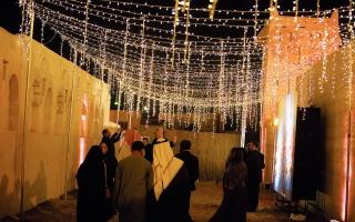 الصورة: الصورة: «رأس الخيمة للفنون البصرية» يطلق دورته الثامنة 31 يناير