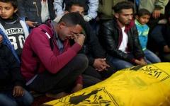 الصورة: الصورة: استشهاد 3 فلسطينيين برصاص الاحتلال الإسرائيلي