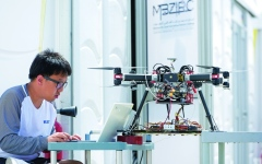 الصورة: الصورة: 32 فريقاً في «تحدي محمد بن زايد العالمي للروبوت» 23 فبراير