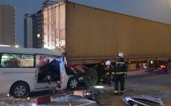 الصورة: الصورة: 52 حادثاً مرورياً في دبي بسبب الشاحنات خلال 2019