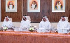 الصورة: الصورة: «ايدلمان»: الإمارات الأولى عالمياً في ثقة الشعب بالحكومات وانتشار الانترنت