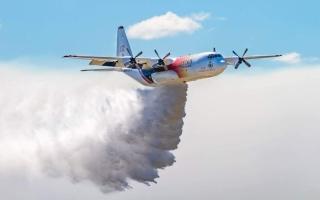 الصورة: الصورة: السلطات الأسترالية تفقد الاتصال بطائرة تشارك في إخماد حرائق الغابات